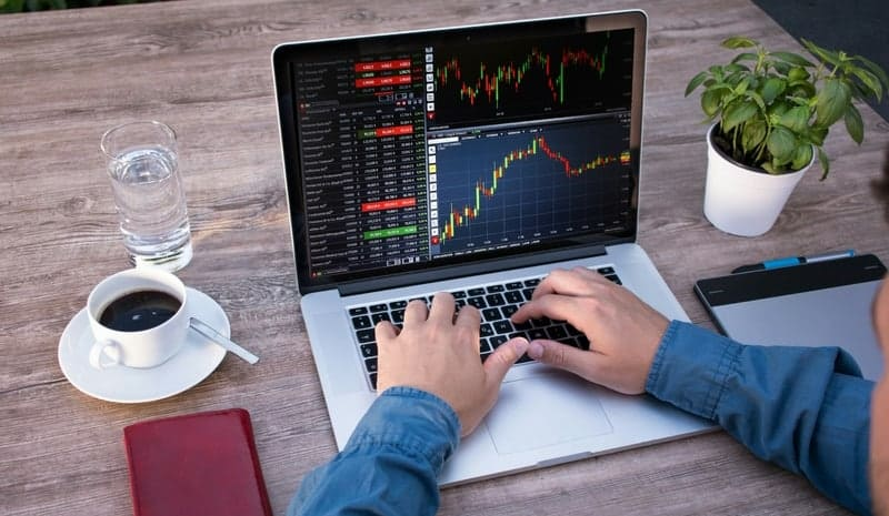 5 Best Laptops for Stock Trading in 2020